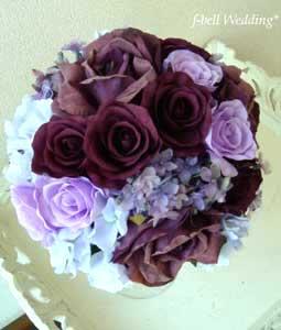 紫色のラウンドブーケ