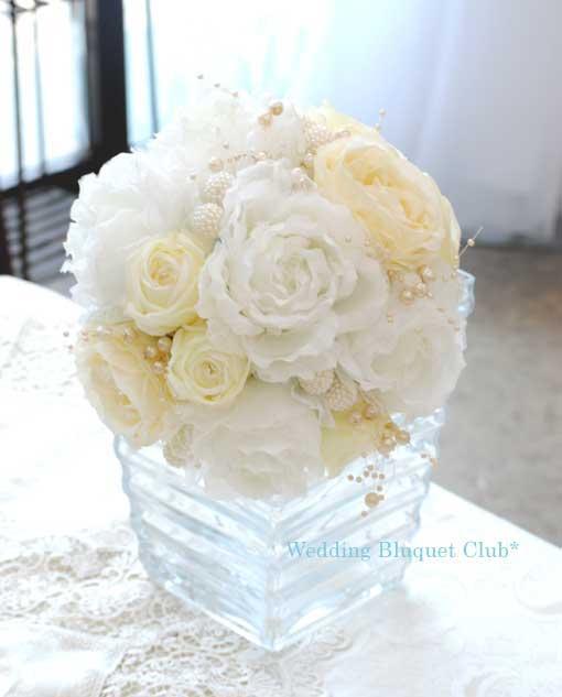 オーガンジー素材のバラとパールビーズ