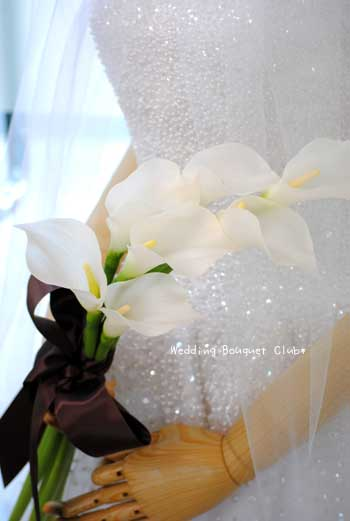 造花:カラーのアームブーケ