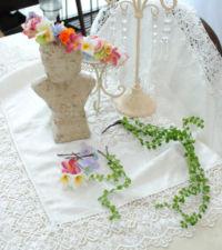カラフルな色合いの花冠