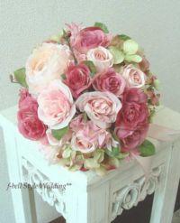 ピンクのバラのラウンドブーケ